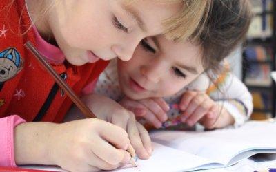 Wie werden vorerkrankte und zur Risikogruppe gehörende Geschwister/(Groß-)Eltern von schulpflichtigen Kindern und Jugendlichen nachWiederaufnahme des Schulbetriebs vor Corona geschützt?